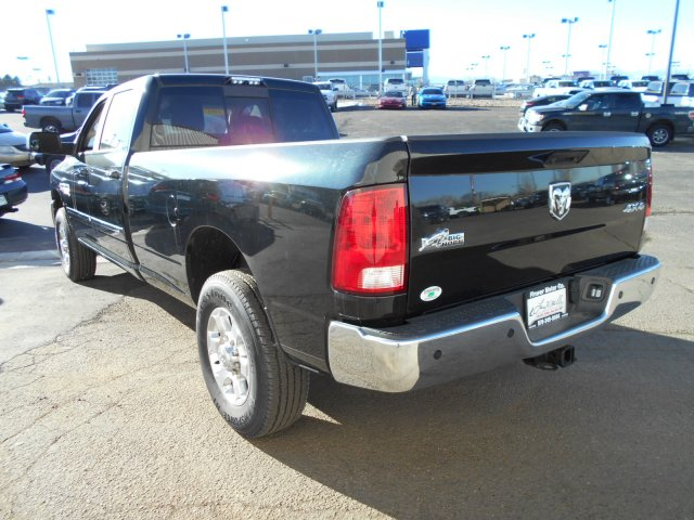 2017 Ram 2500 Crew Cab 4x4 Pickup #HG555190 - photo 2