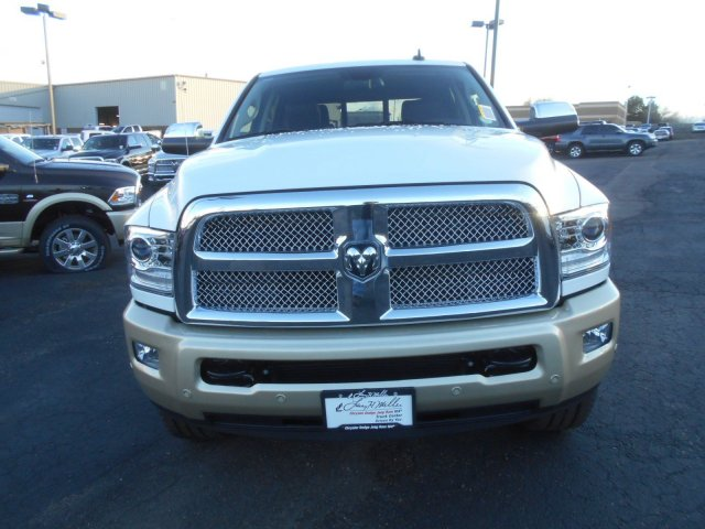 2017 Ram 2500 Crew Cab 4x4, Pickup #HG571228 - photo 4