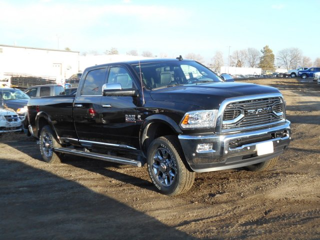 2017 Ram 2500 Crew Cab 4x4, Pickup #HG578874 - photo 3