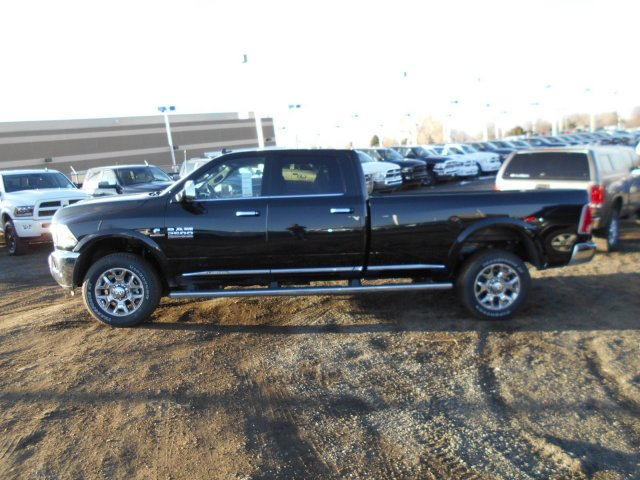 2017 Ram 2500 Crew Cab 4x4, Pickup #HG578874 - photo 5