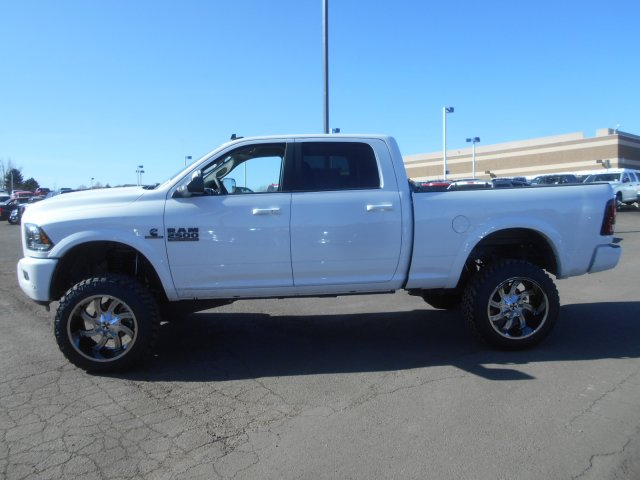2017 Ram 2500 Crew Cab 4x4, Pickup #HG590446 - photo 5