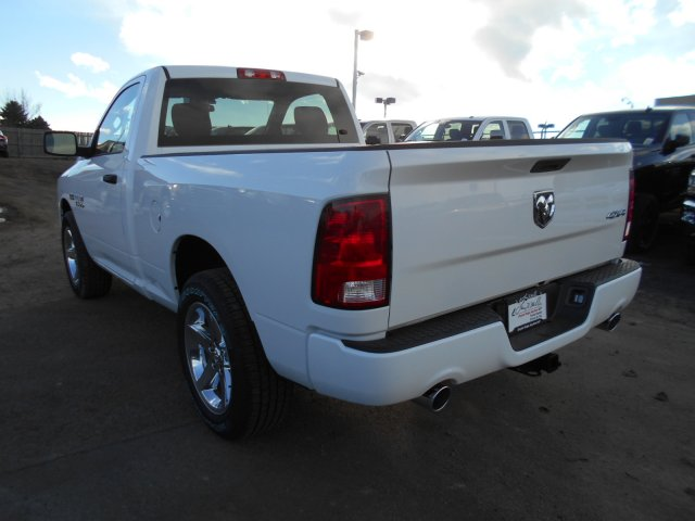 2017 Ram 1500 Regular Cab 4x4, Pickup #HG602436 - photo 2