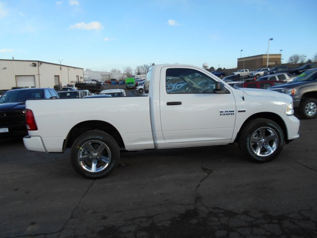 2017 Ram 1500 Regular Cab 4x4, Pickup #HG602436 - photo 7