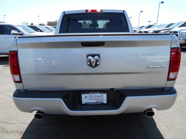 2017 Ram 1500 Crew Cab 4x4, Pickup #HG626507 - photo 6