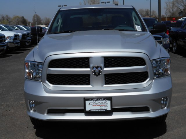 2017 Ram 1500 Crew Cab 4x4, Pickup #HG626507 - photo 4