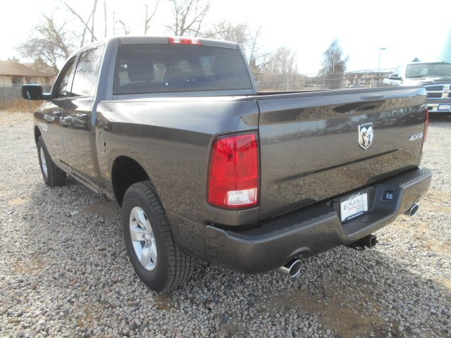 2017 Ram 1500 Crew Cab 4x4, Pickup #HG631151 - photo 2