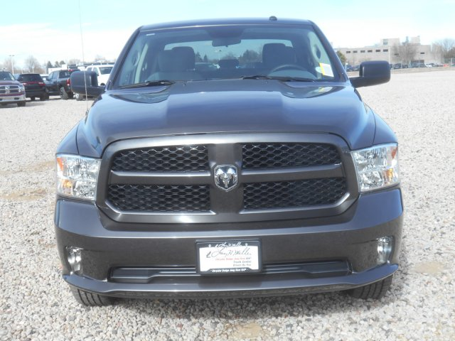 2017 Ram 1500 Crew Cab 4x4, Pickup #HG631151 - photo 4