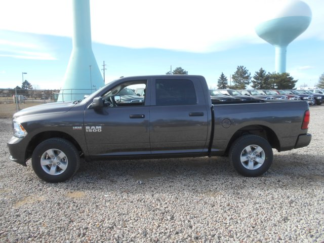 2017 Ram 1500 Crew Cab 4x4, Pickup #HG631151 - photo 5
