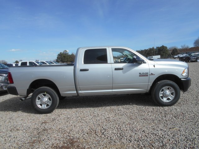 2017 Ram 3500 Crew Cab 4x4 Pickup #HG651466 - photo 7