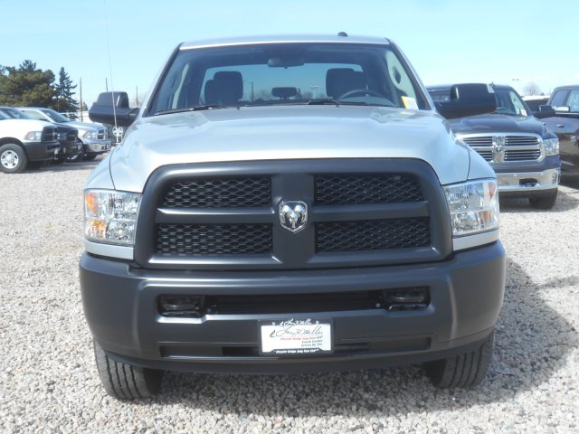 2017 Ram 3500 Crew Cab 4x4 Pickup #HG651466 - photo 4