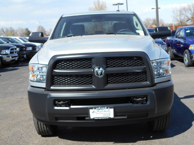 2017 Ram 3500 Crew Cab 4x4 Pickup #HG651467 - photo 4