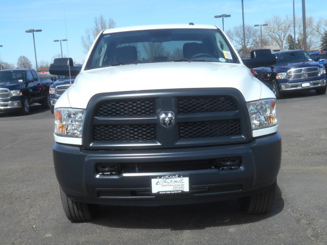 2017 Ram 3500 Crew Cab 4x4 Pickup #HG651470 - photo 4