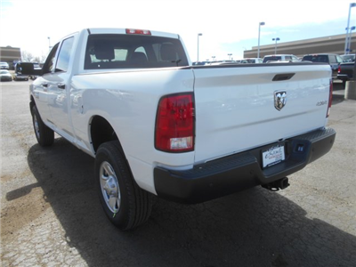 2017 Ram 3500 Crew Cab 4x4 Pickup #HG651470 - photo 2