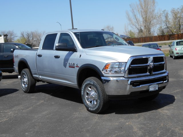 2017 Ram 2500 Crew Cab 4x4, Pickup #HG662992 - photo 3