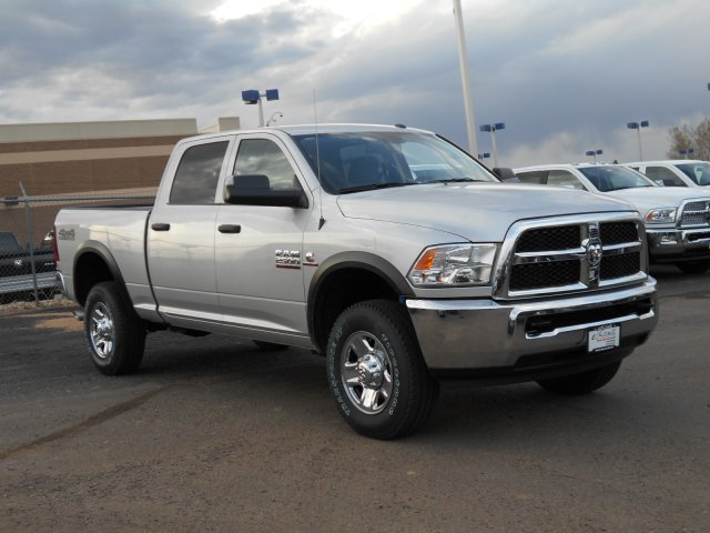 2017 Ram 2500 Crew Cab 4x4, Pickup #HG662995 - photo 3