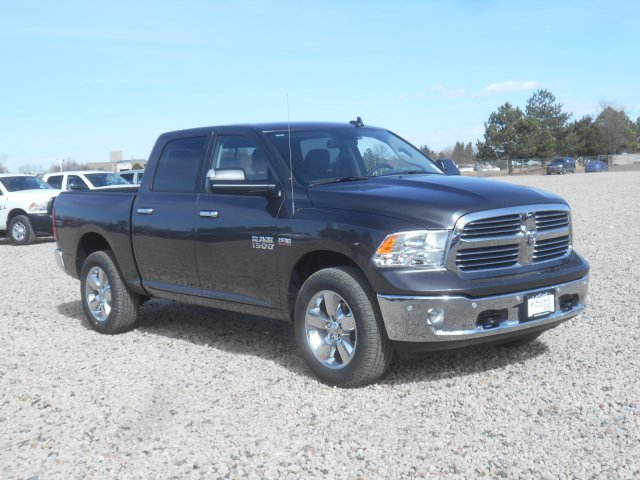 2017 Ram 1500 Crew Cab 4x4, Pickup #HG665278 - photo 3