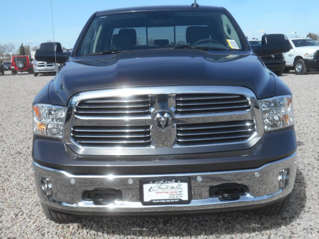 2017 Ram 1500 Crew Cab 4x4, Pickup #HG665278 - photo 4