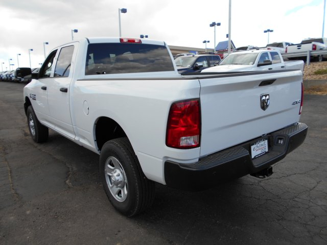 2017 Ram 3500 Crew Cab 4x4 Pickup #HG669420 - photo 2