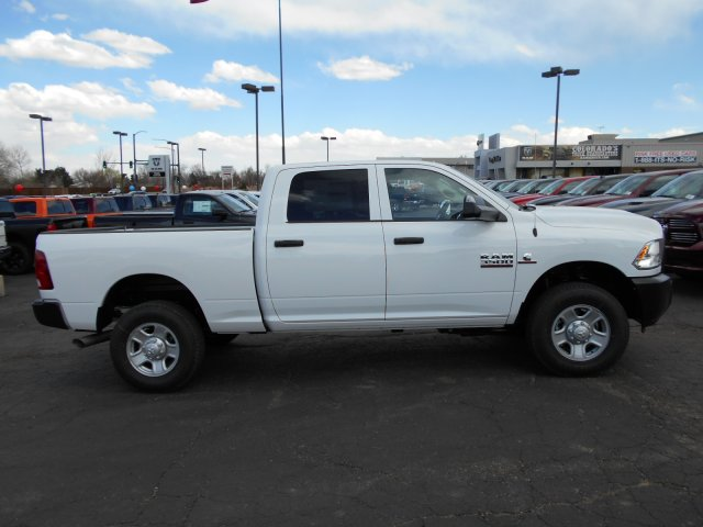 2017 Ram 3500 Crew Cab 4x4 Pickup #HG669420 - photo 7