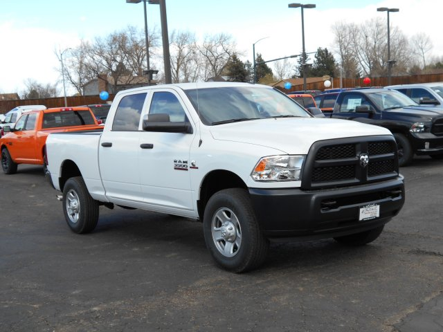 2017 Ram 3500 Crew Cab 4x4 Pickup #HG669420 - photo 3