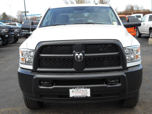 2017 Ram 3500 Crew Cab 4x4 Pickup #HG669420 - photo 4