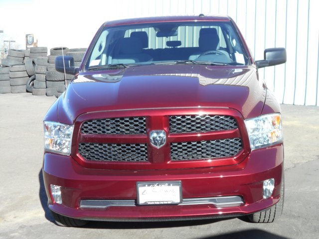2017 Ram 1500 Crew Cab 4x4, Pickup #HG739267 - photo 4
