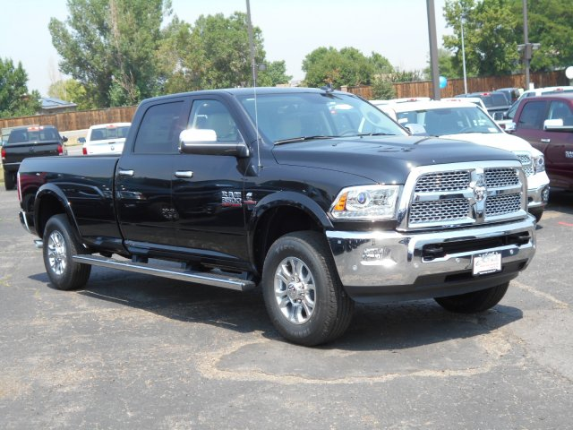 2017 Ram 3500 Crew Cab 4x4 Pickup #HG752051 - photo 3