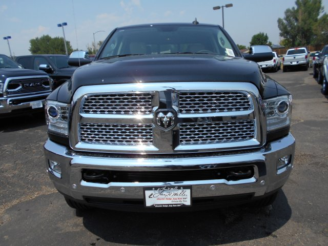 2017 Ram 3500 Crew Cab 4x4 Pickup #HG752051 - photo 4