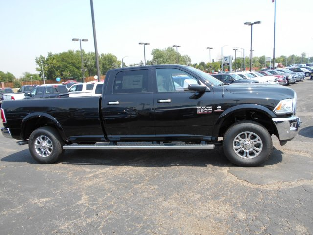 2017 Ram 3500 Crew Cab 4x4, Pickup #HG752051 - photo 7