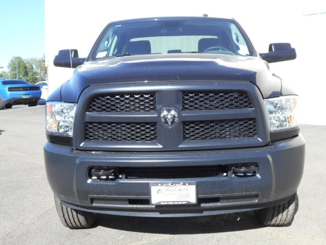 2017 Ram 3500 Crew Cab 4x4, Pickup #HG770456 - photo 3