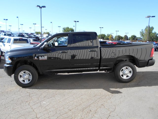 2017 Ram 3500 Crew Cab 4x4, Pickup #HG770456 - photo 4