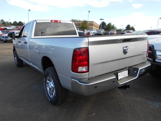 2017 Ram 3500 Crew Cab 4x4 Pickup #HG775532 - photo 2