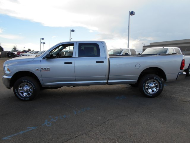 2017 Ram 3500 Crew Cab 4x4 Pickup #HG775532 - photo 4
