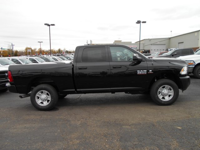 2017 Ram 3500 Crew Cab 4x4 Pickup #HG785811 - photo 7