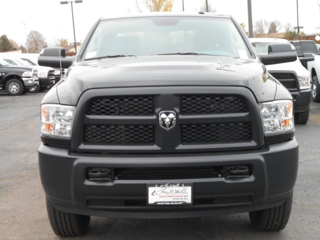 2017 Ram 3500 Crew Cab 4x4 Pickup #HG785811 - photo 4