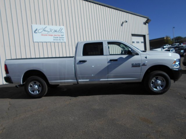 2017 Ram 3500 Crew Cab 4x4, Pickup #HG785812 - photo 7