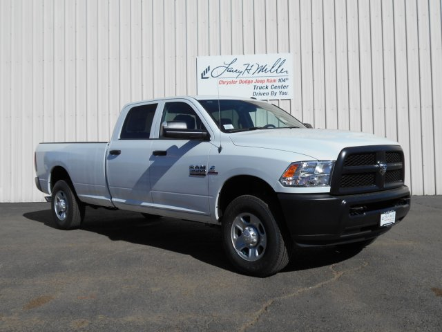 2017 Ram 3500 Crew Cab 4x4, Pickup #HG785812 - photo 3