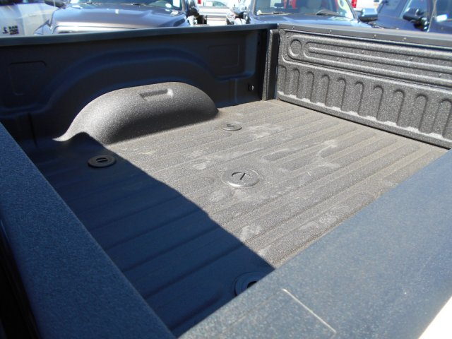 2017 Ram 3500 Crew Cab 4x4 Pickup #HG786066 - photo 9