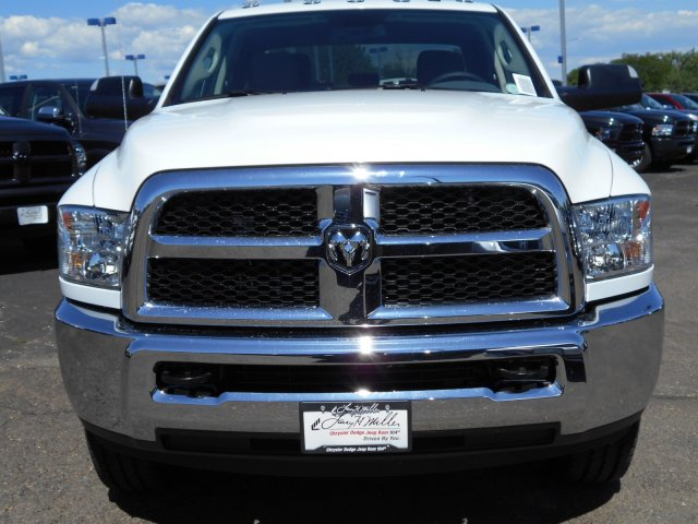 2017 Ram 3500 Crew Cab 4x4, Pickup #HG786066 - photo 3