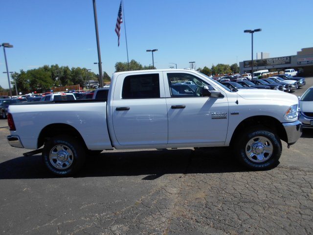 2017 Ram 3500 Crew Cab 4x4, Pickup #HG786066 - photo 7