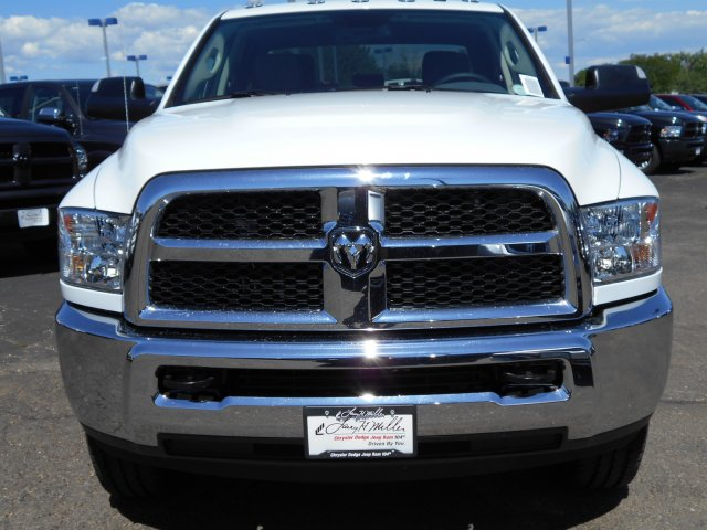 2017 Ram 3500 Crew Cab 4x4 Pickup #HG786066 - photo 4
