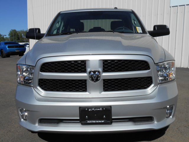 2017 Ram 1500 Crew Cab 4x4, Pickup #HG797269 - photo 4