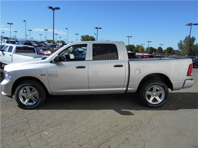 2017 Ram 1500 Crew Cab 4x4, Pickup #HG797269 - photo 5