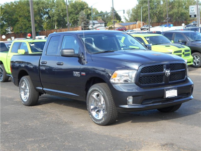 2017 Ram 1500 Quad Cab 4x4 Pickup #HS580986 - photo 6