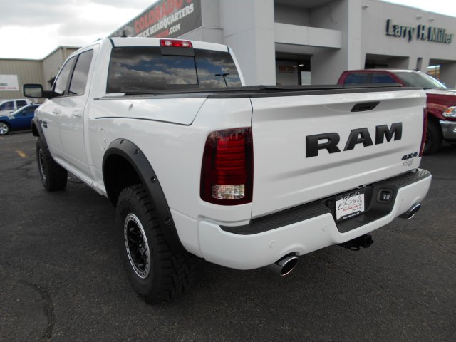 2017 Ram 1500 Crew Cab 4x4, Pickup #HS619842 - photo 2