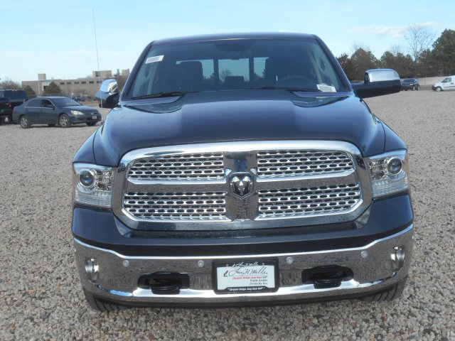 2017 Ram 1500 Crew Cab 4x4, Pickup #HS636237 - photo 4