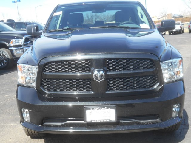 2017 Ram 1500 Quad Cab 4x4, Pickup #HS644629 - photo 4