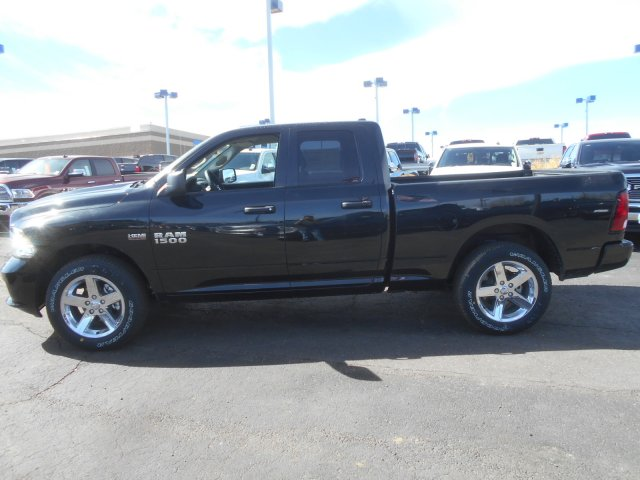 2017 Ram 1500 Quad Cab 4x4, Pickup #HS644629 - photo 5