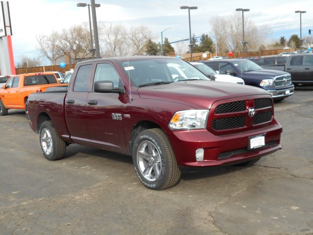 2017 Ram 1500 Quad Cab 4x4, Pickup #HS644635 - photo 3