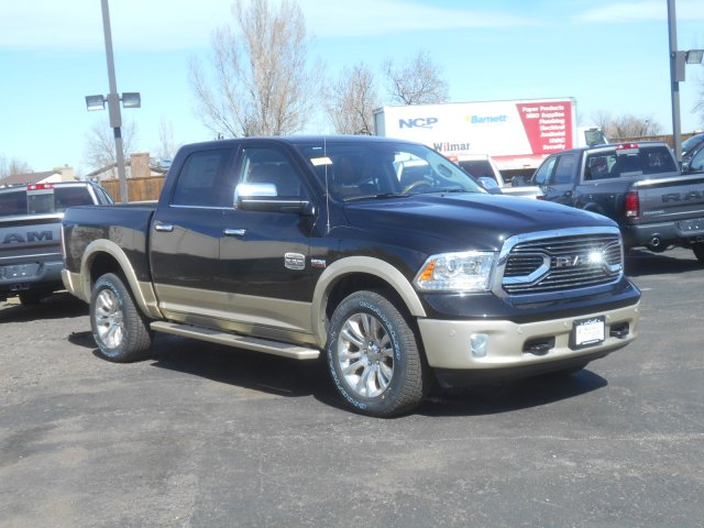 2017 Ram 1500 Crew Cab 4x4, Pickup #HS686757 - photo 3